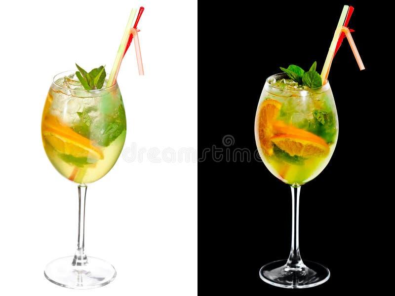Download 冷的酒精鸡尾酒 库存图片. 图片 包括有 打赌的人, 酒精, 伏特加酒, 威士忌酒, 工作室, 杜松子酒 - 30336227