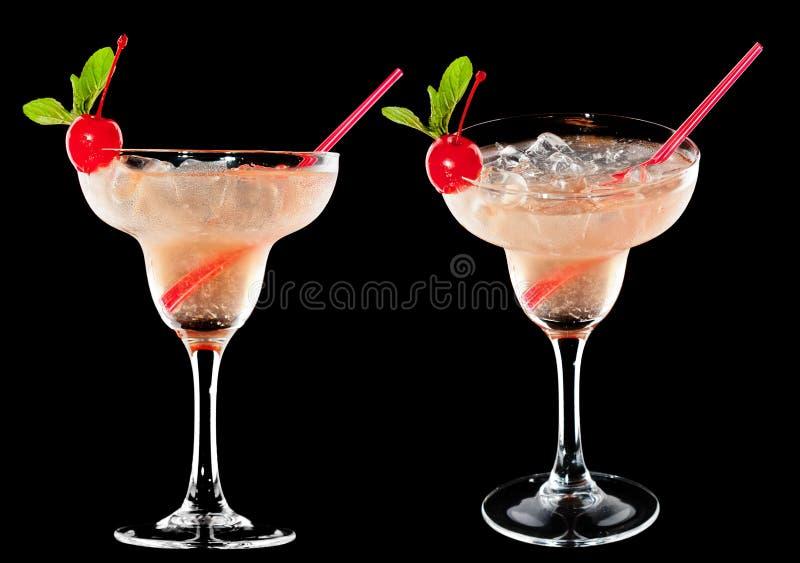 Download 冷的酒精鸡尾酒 库存照片. 图片 包括有 玻璃, 龙舌兰酒, 关闭, 没人, 背包, 投反对票, 食物, 多维数据集 - 30336270