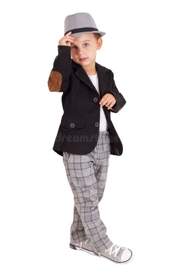 冷却相当时髦的小男孩被隔绝 免版税库存照片
