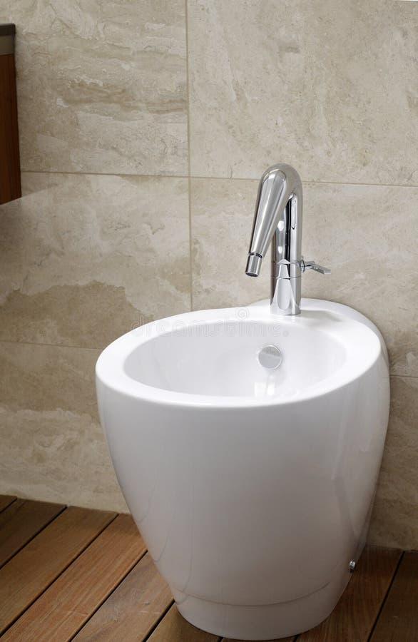 净身盆洗手间 免版税库存图片