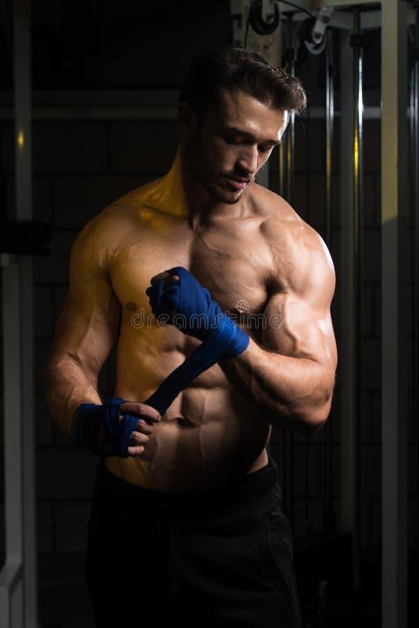 准备好反撞力的拳击手 免版税库存图片