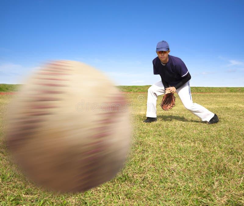 准备好棒球传染性的球员 库存照片