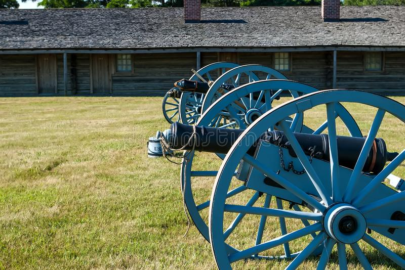 准备好的大炮保卫堡垒 库存照片