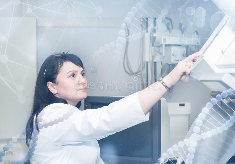 准备好的X光检查开始 免版税库存图片