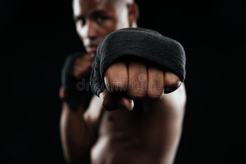 准备好美国黑人的kickboxer战斗 库存照片