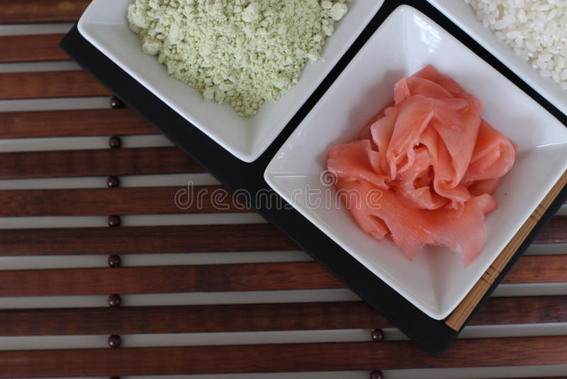 准备寿司,准备日本食物,做寿司,做日本食物, 图库摄影
