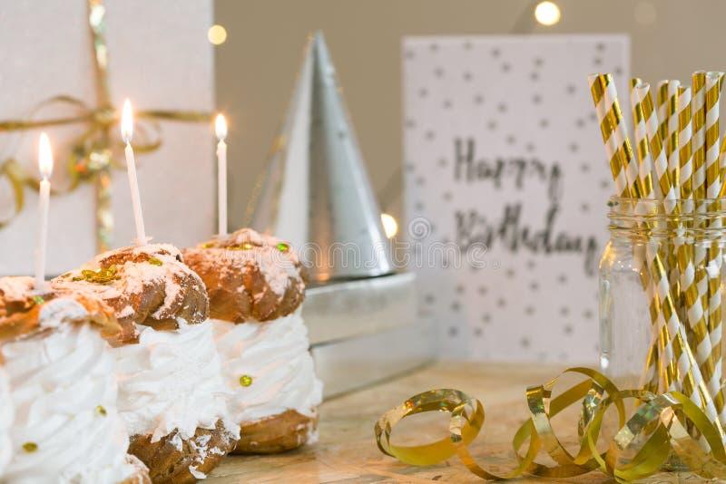准备庆祝生日 免版税库存图片