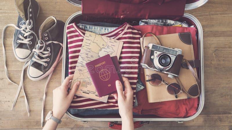 准备概念的旅行手提箱 库存图片