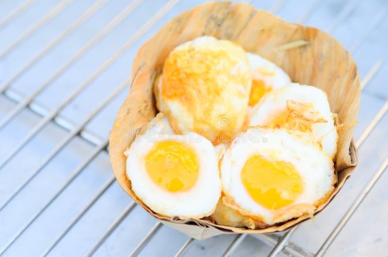 准备的许多油煎了鹌鹑蛋 免版税库存图片