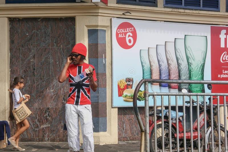 凉快的年轻非裔美国人的人 免版税图库摄影