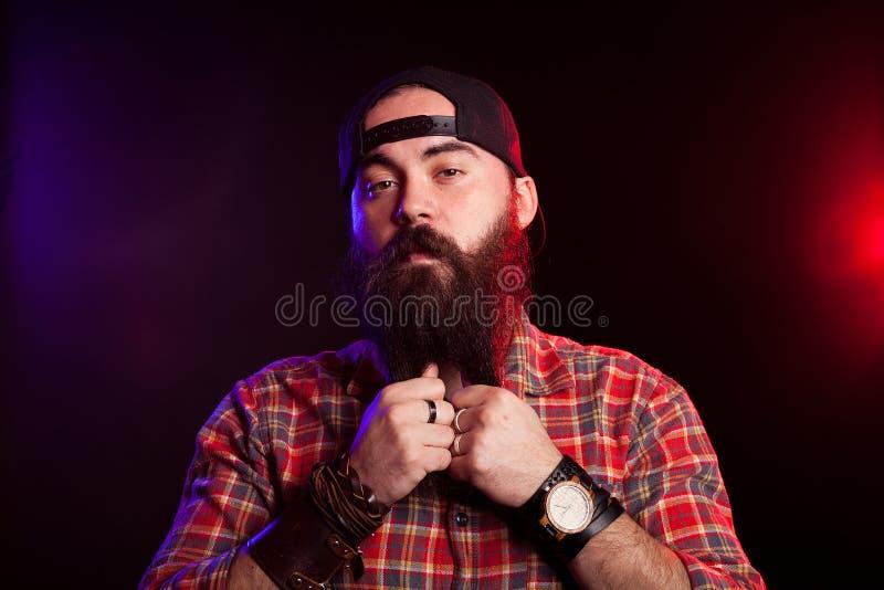 凉快的有胡子的人时尚画象  免版税库存照片
