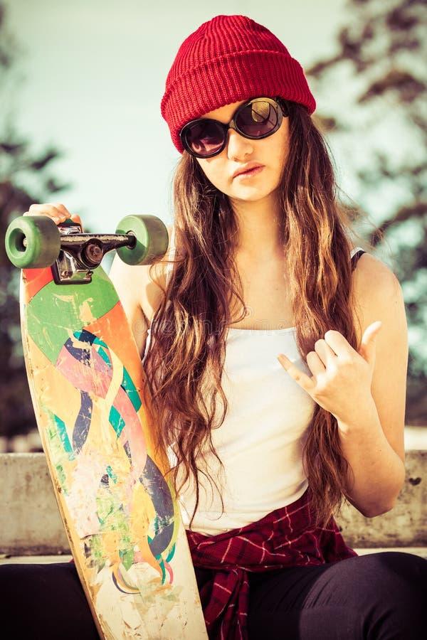 凉快的溜冰者女孩 图库摄影