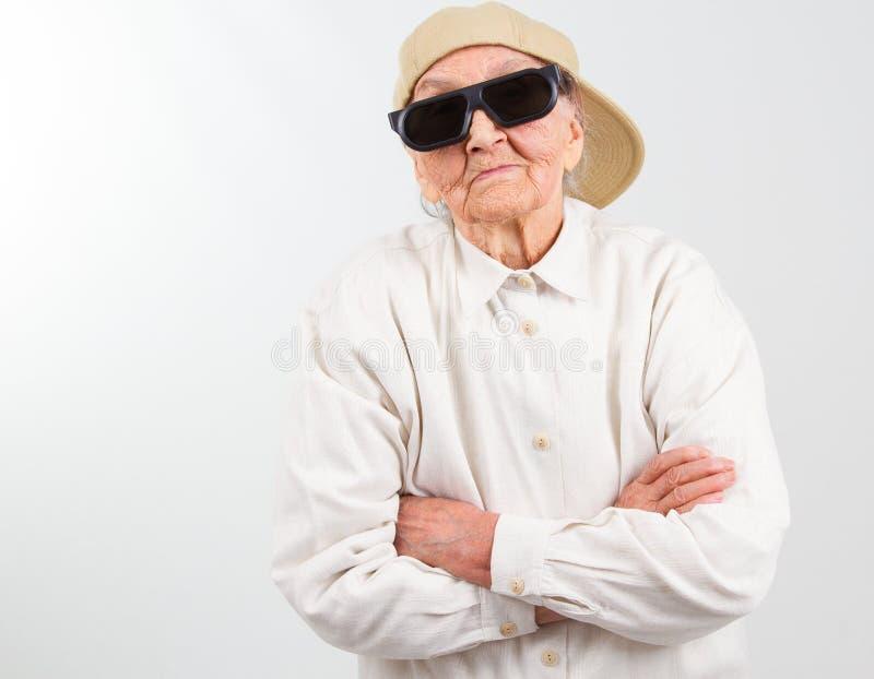 凉快的祖母代表她的权利 免版税库存照片
