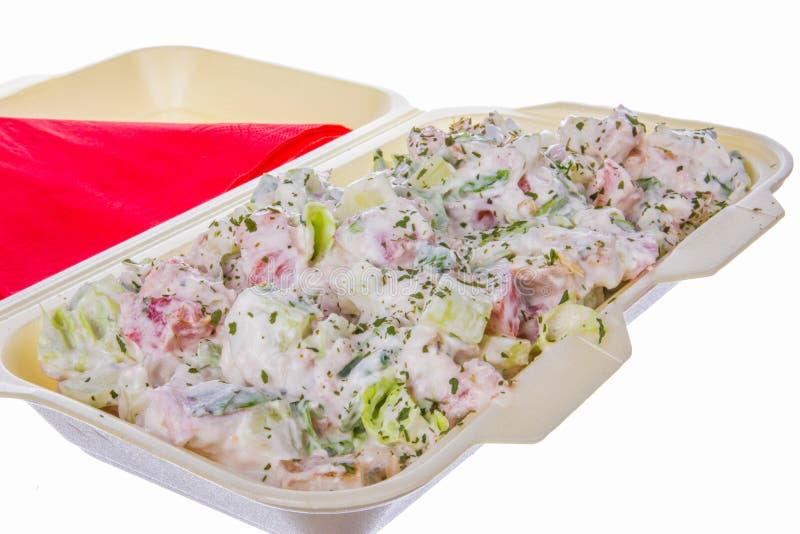 凉拌生菜用火腿黄瓜和酸性稀奶油 免版税图库摄影