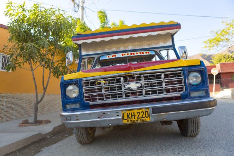 减速火箭的卡车在Taganga,哥伦比亚 库存图片