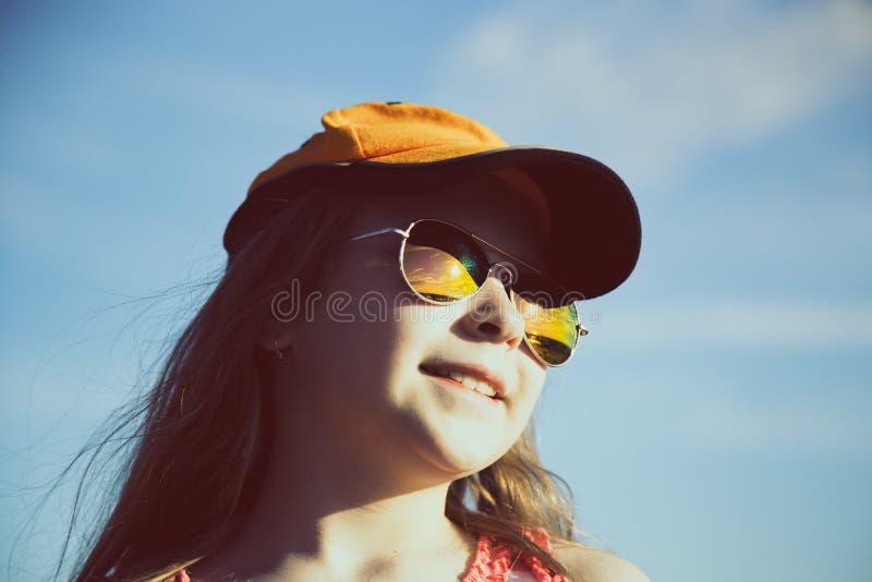 减速火箭的样式的时兴的女孩 免版税库存图片