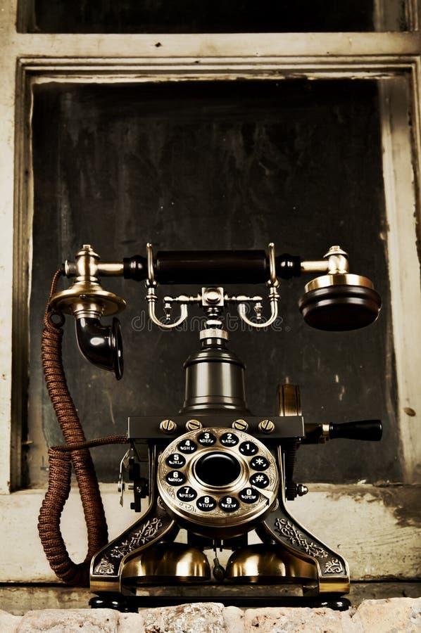 减速火箭的电话-葡萄酒电话 免版税库存图片