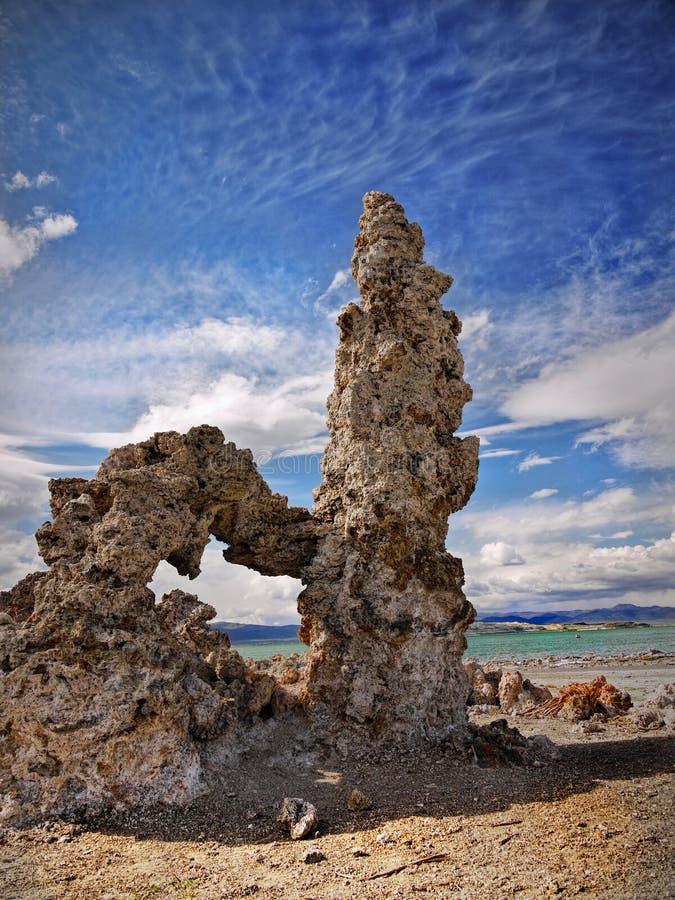 凝灰岩塔,莫诺湖,加利福尼亚 免版税库存照片