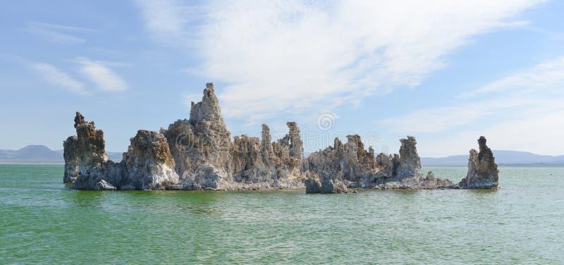 凝灰岩形成在莫诺湖,加利福尼亚 库存照片