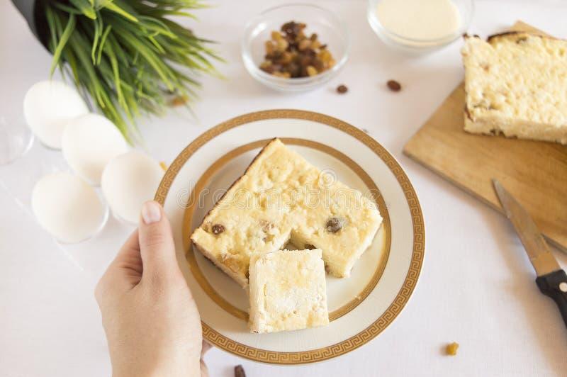 凝结砂锅用葡萄干 库存图片