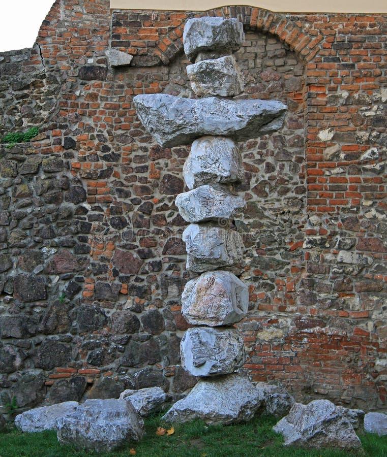 Download 几乎有些石头教会宗教十字架在布尔诺 库存照片. 图片 包括有 颜色, 有历史, 坟墓, 爱尔兰, 信念, 背包 - 72358626
