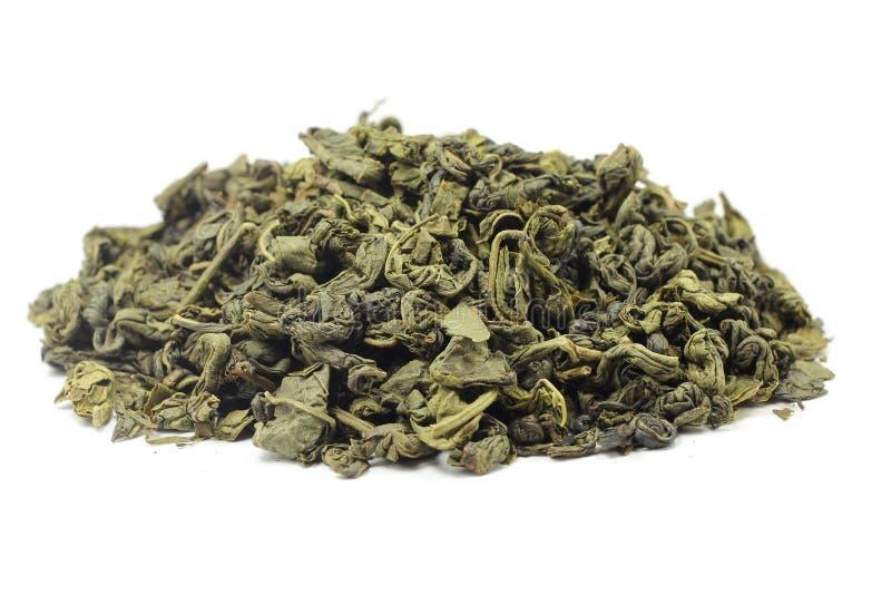 几片干绿色茶叶 库存照片