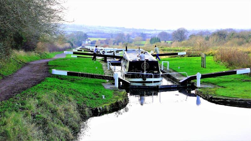 凯恩小山运河锁,迪韦奇斯,威尔特郡,英国 免版税库存图片