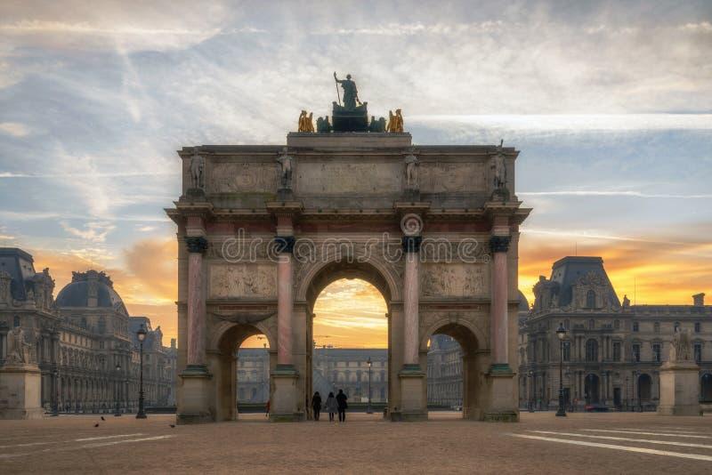 凯旋门在地方du Carrousel在巴黎 库存图片
