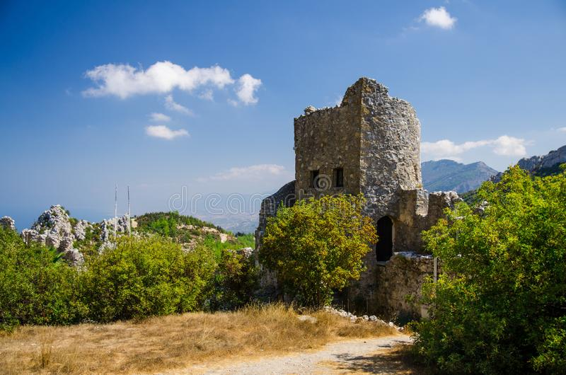 凯里尼亚Girne山和镇从中世纪城堡,北 图库摄影