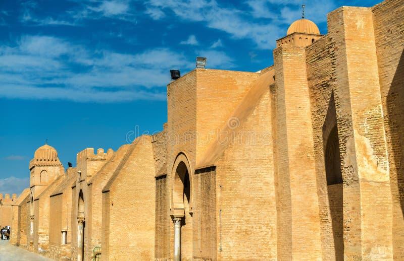 凯鲁万清真大寺的墙壁在突尼斯 图库摄影