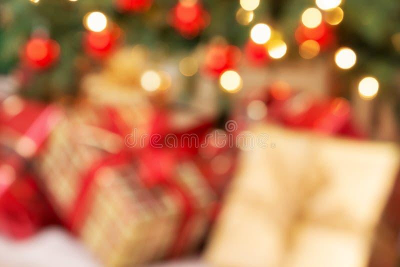 出于焦点圣诞礼物假日背景  免版税库存图片