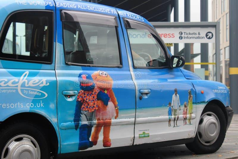 出租汽车在利物浦在英国 免版税库存图片
