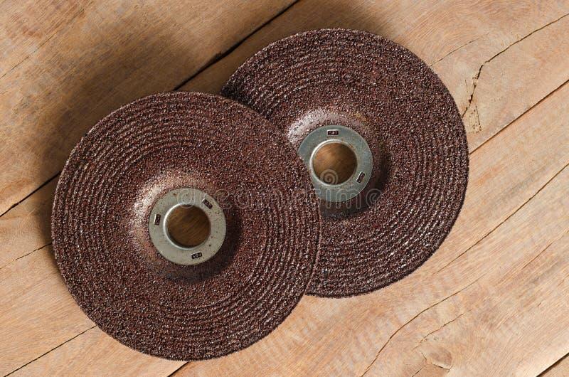 刀片研磨机磨蚀挡水板砂轮 免版税库存图片