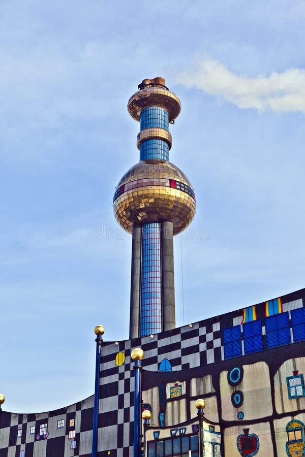 分区供暖厂在维也纳由佛登斯列・汉德瓦萨设计了 库存照片