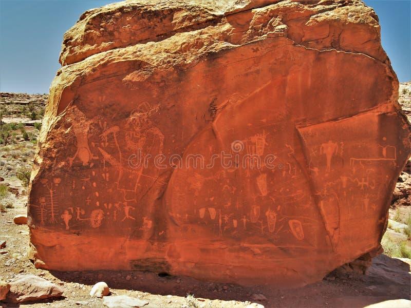 分娩岩石刻在岩石上的文字 免版税库存照片