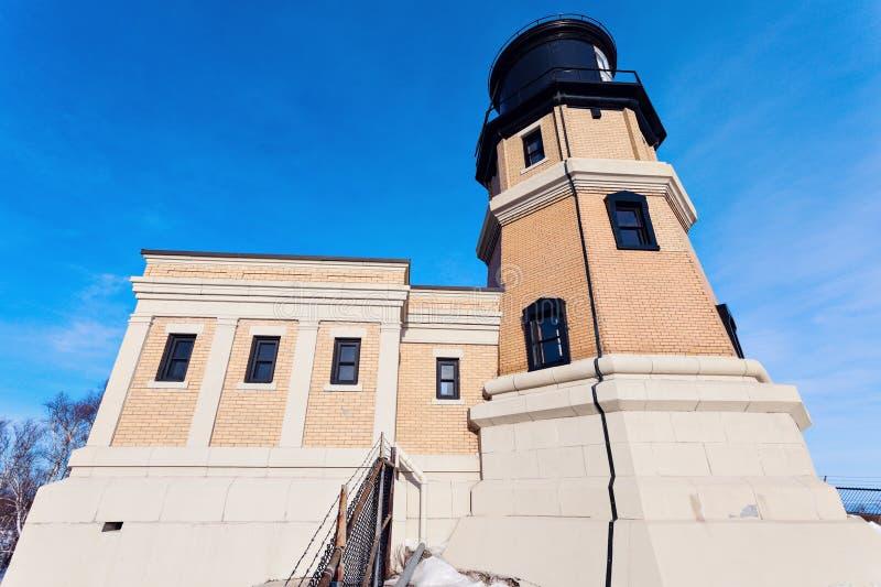 分开的岩石灯塔 免版税库存图片