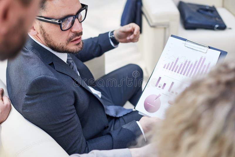 分析财政图 免版税图库摄影