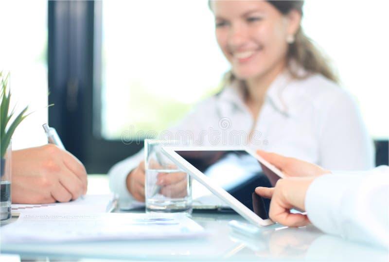 分析财政图的企业顾问 免版税库存图片
