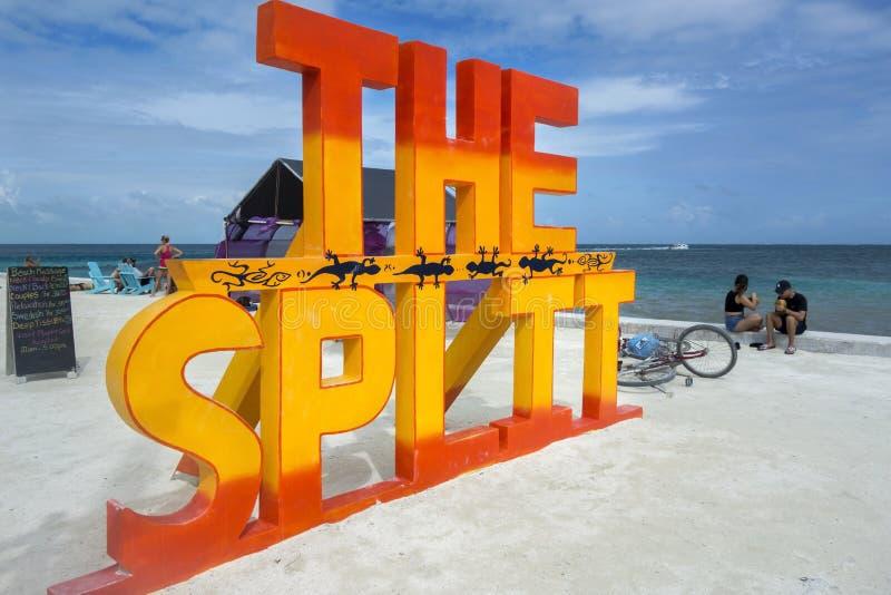 分裂海滩标志Caye填缝隙工加勒比岛伯利兹中美洲 免版税图库摄影