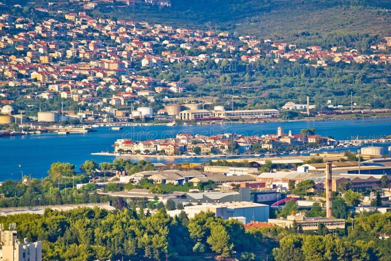 分裂郊区Vranjic和Kastela鸟瞰图 免版税库存图片