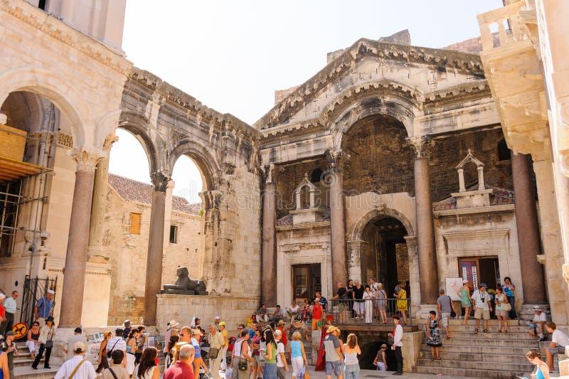 分裂,克罗地亚Peristyle 库存图片