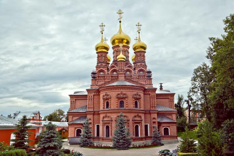 切尔尼戈夫男性修道院三位一体Sergius拉夫拉, Sergiev Posad 免版税库存图片