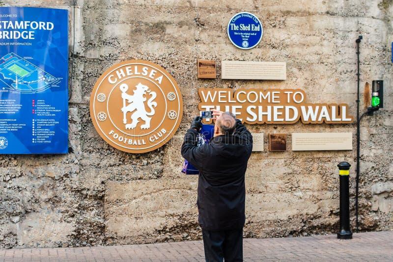 切尔西FC棚子墙壁,拍切尔西Fo的照片未知的人 免版税库存图片