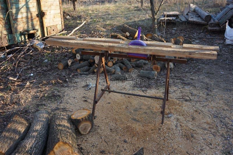 切开的和锯的木头的整平机 免版税图库摄影
