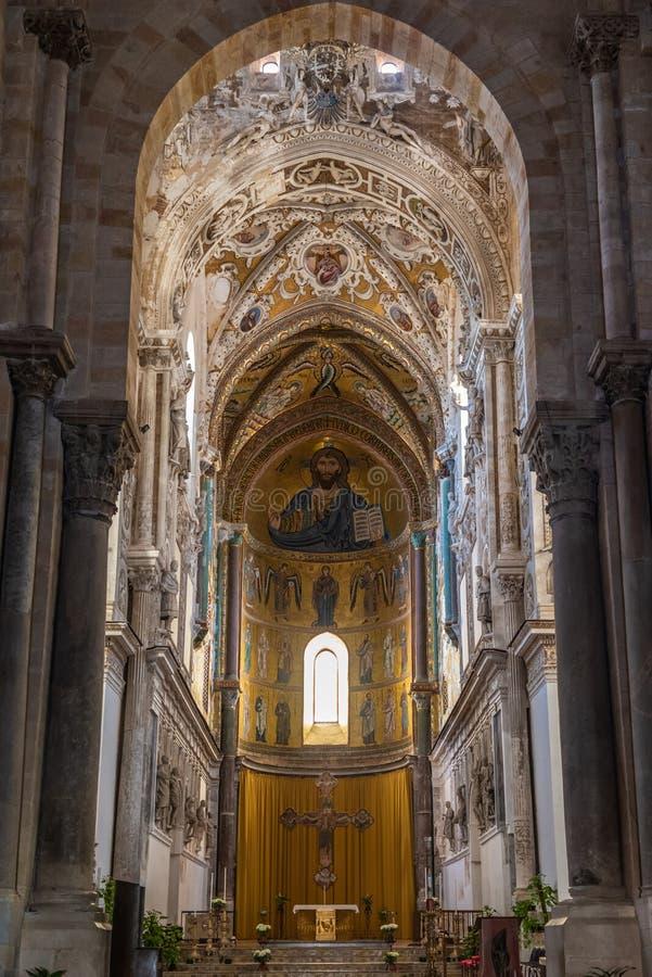 切法卢,西西里岛,意大利大教堂大教堂的内部  免版税库存照片