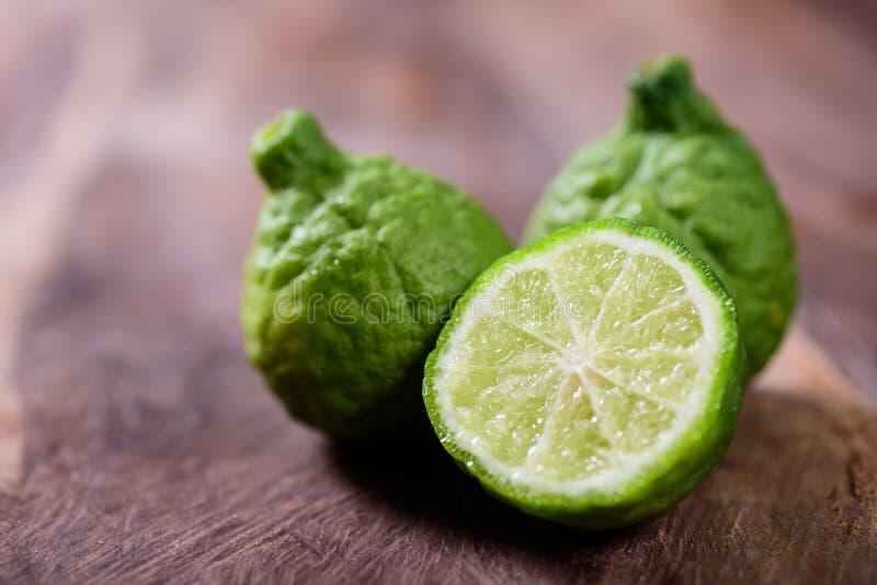 切片香柠檬果子或非洲黑人石灰 库存照片