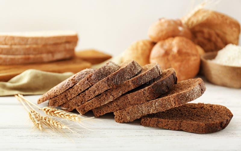 切片黑麦面包 免版税库存图片