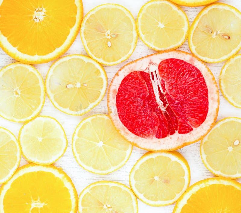 柠檬美容美白牙齿_柠檬美白牙齿多久一次_柠檬美白牙齿