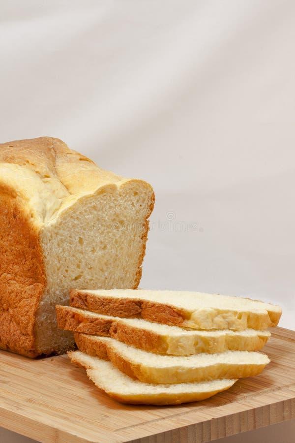切的自创白面包大面包  库存图片