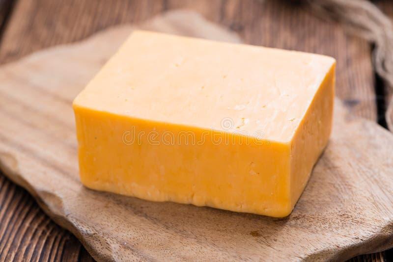 切达乳酪片断  免版税库存图片